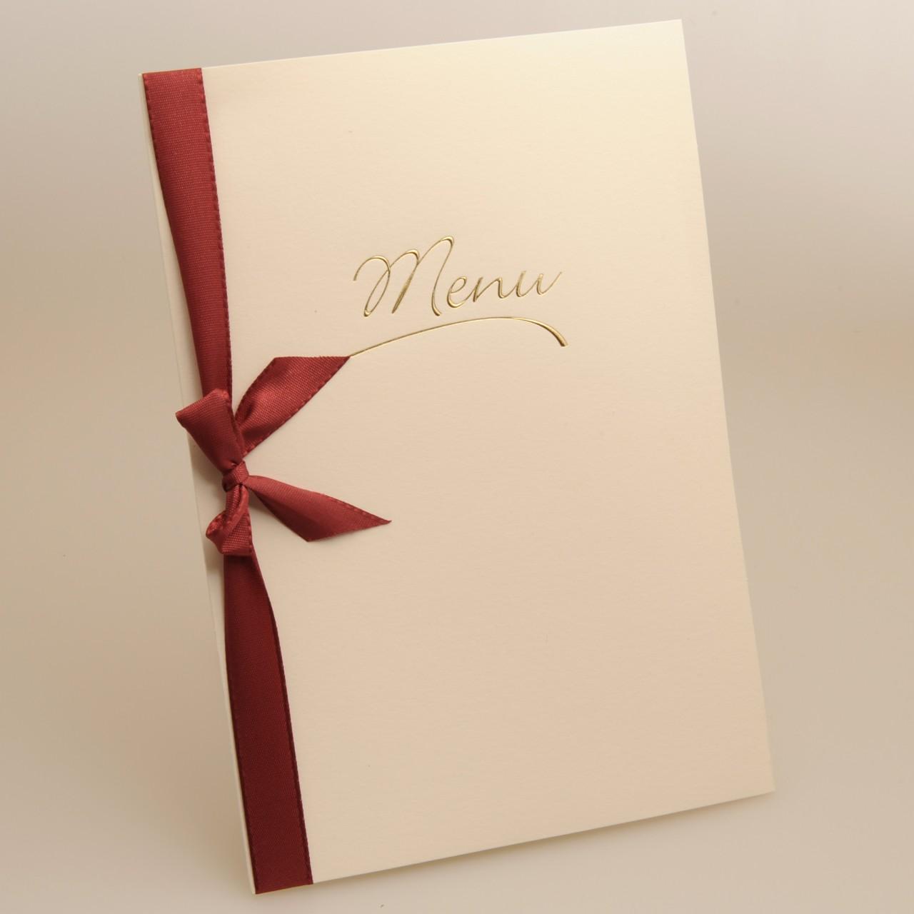 Beige A5-Menükarte mit goldener Folienprägung und rotem Band