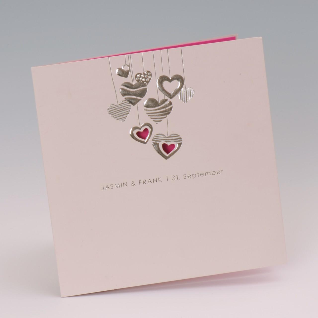 Bezaubernde Hochzeitskarte Herz pink, die Ihre Gäste sofort mit Ihnen glücklich auf ein gelungenes Fest einstimmen wird. Bei uns online erhältlich.