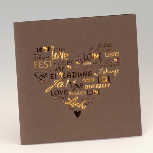 Braune quadratische Karte mit foliengeprägtem Herz