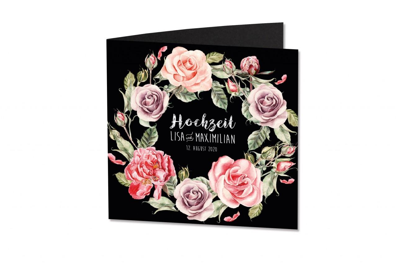 Die Hochzeitskarte Kranz aus Rosen ist für Blumenlieberhaber die richtige Wahl und kann in weißer Schrift auf der Vorderseite personalisiert werden.