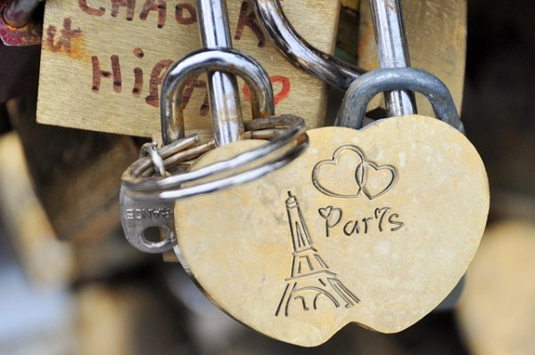paris-1177112_640