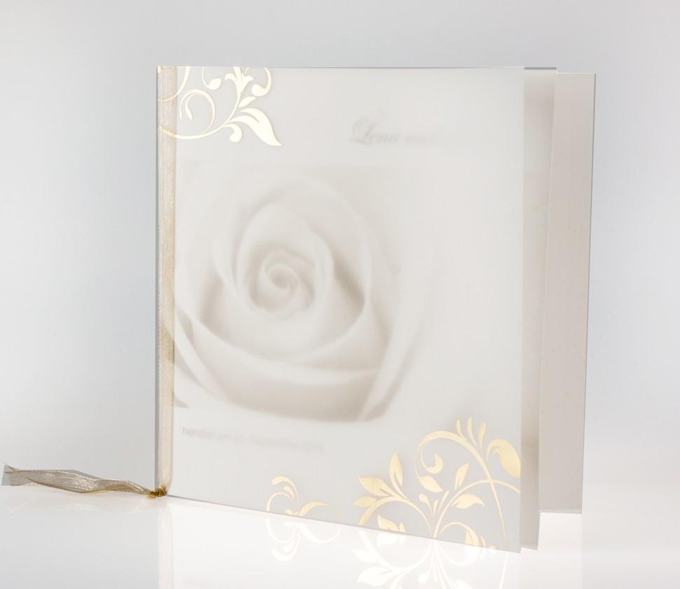 Quadratische Einladungskarte mit Rose und goldenen Ranken