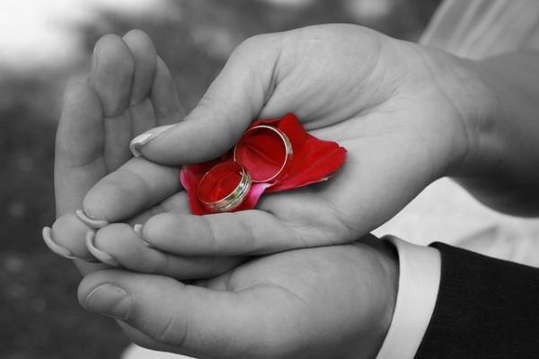 wedding-688916_640